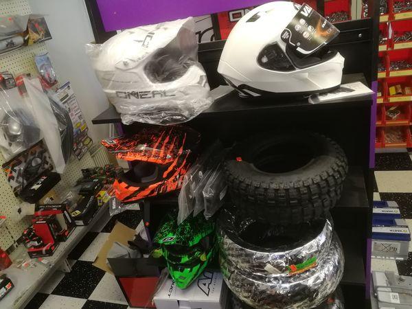 Mopojen ja moottoripyörien osat